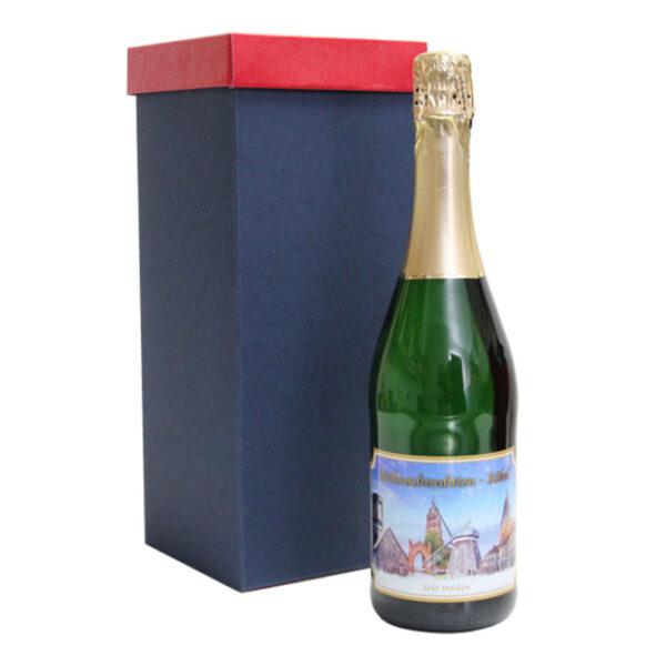 Sektflasche mit Karton